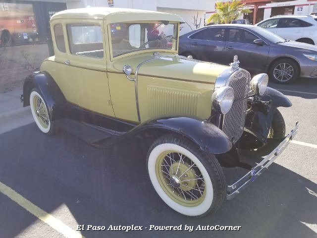1930 FORD MODEL A WITH BLACK RUMBLE SEAT